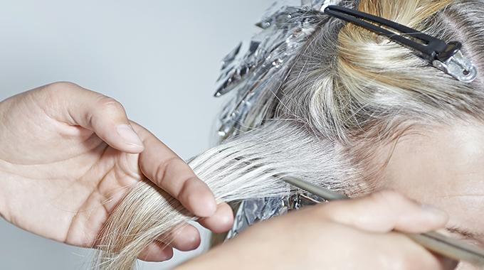 Entfärben Haare