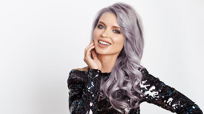 Geliebte Granny Hair: der Trend zu grauen Haaren - Halier Blog #MU_86